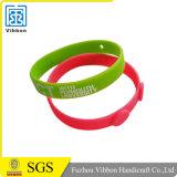 Wristbands di fabbricazione in materiale del silicone con il marchio
