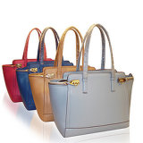 ばねのアクセサリのレディース流行のコレクションのための機能ショルダー・バッグ