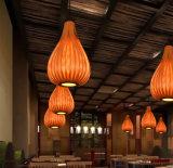 ホテルのレストランのための新式の木のペンダントLEDの軽い天井ランプ