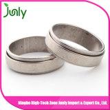 El anillo de bodas de la muestra diseña el anillo del acero inoxidable de los hombres