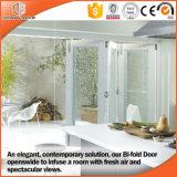 Puertas de cristal de aluminio de madera plegables japonesas de Frameless, aluminio blanco de capa del color del polvo que resbala la puerta de cristal plegable