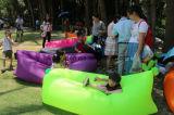 柔らかい表面のナイロン物質的で不精な袋またはスリープの状態である空気ソファー