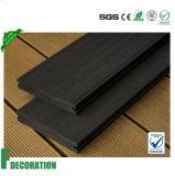 Étage composé en plastique en bois de Decking de faisceau solide de WPC