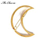 De Spelden van het haar die van het Gieten van Legering in het Goud van de Maan van de Driehoek worden gemaakt