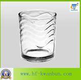 浮彫りにされたウィスキーのガラスコップビールコップのKbHn0236