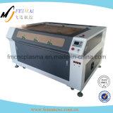 Máquina de grabado de acrílico de madera del laser del CNC del cuero