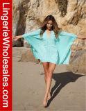 Playa de gran tamaño sólida de s de las mujeres atractivas la '' cubre para arriba la alineada de la playa del traje de baño