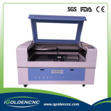 Máquina de corte a laser CNC de mesa usada para cortar MDF acrílico