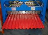 Decke glasig-glänzende Rollenfliese, die Maschine bildet