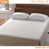 Rilievo di materasso di uso della casa dell'hotel (DPFM8031)