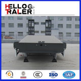 Semi Aanhangwagen van Lowbed van het Vervoer van de Apparatuur van de tri-as de Zware met Hydraulische Ladder