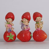 2017 New Design Resin Strawberry Fairy Statue for Deco