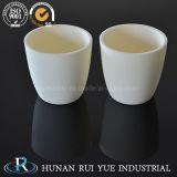 Crogiolo di ceramica dell'allumina Al2O3, abitudine a temperatura elevata del crogiolo del corindone