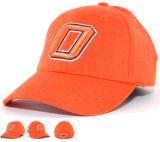 3D Embroiderd blanco lavó el casquillo anaranjado del sombrero de béisbol de los deportes del algodón con la cinta mágica detrás