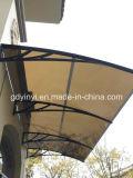Het grote Aluminium die van het Wapen de Grote Schuilplaats van de Regen van de Zon van het Balkon van het Venster Afbaardende met MiddenStaaf afbaarden