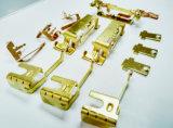 金属の接触ターミナルは自己穿孔Rivetingプロセスによって作る