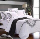 ホテルまたはホーム(DPF1071005)のための刺繍とセットされる高く贅沢な寝具