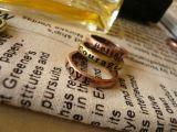 女性の美しい8Xレトロの願いのためのリングは熱いカップルのリングに文字を入れる