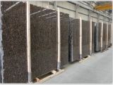 Конкурсная более дешевая прибалтийская плитка камня гранита Brown, сляб сделанный в Китае