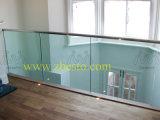 Ненесущая стена сделанного портноя закаленная/прокатанная лестниц конструкции Banisters стекла