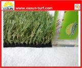 Relvado artificial para a decoração ajardinando e de jardinagem