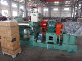 油圧のゴム製混合製造所はロールギャップの混合製造所を調節する
