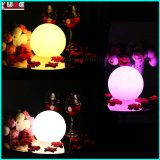 Lueur en plastique gonflable allumée de billes d'éclairage LED dans l'obscurité avec la batterie
