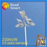 luz de rua solar resistente ao calor IP65 de 210lm/W Pólo