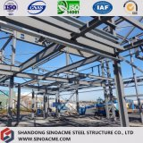 Edificio pesado de la estructura de acero con el cuento multi