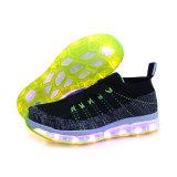 Flyknit LED helle Mann-im Freiensport-Schuhe, die Frauen-beiläufige Turnschuhe nähen