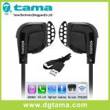 Auriculares inalámbricos de auriculares Bluetooth en el auricular