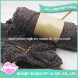Quadrado do algodão que tricota manualmente o lenço morno acrílico de Desigual