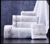 Вышитое хлопком 100% полотенце ванны гостиницы логоса от поставщика Китая