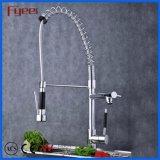 Le traitement simple de cuisine de bassin de mélangeur de taraud des robinets 3 collet à ressort de voie de long abaissent le robinet de cuisine