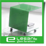 車輪が付いている緑によって塗られるガラス側面表