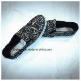 Обувь ткани студента плоская сделанная в Китае