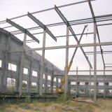 Estrutura de aço telhado com parede de concreto
