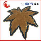 Emblema de tampão feito sob encomenda do metal do projeto novo da forma