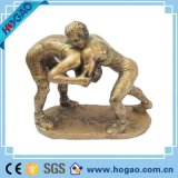 Подгонянная статуя спортсмена футбола смолаы, скульптура литейной смолы