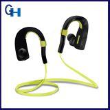 Auriculares estereofónicos sem fio dos plugues de orelha de Bluetooth do preço de grosso para esportes