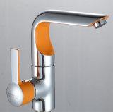 Herausziehbarer Spray-Küche-Wannen-Hahn mit Chrom-Ende