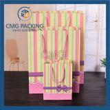 Rayas impresas regalo embalaje bolsa de papel dulce con PP cuerda (CMG-MAY-059)