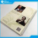 Progettare la stampa per il cliente del libro di Hardcover con la perforazione