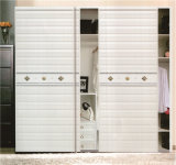 寝室173のための高品質のMorden Design PVC Shutter Series Wardrobe Sliding Door