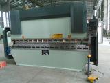 CNC المعدنية الانحناء آلة We67k-100tx4000 آلة Da52s الفرامل الهيدروليكية الصحافة X Y1 Y2 W محور CNC المعدنية الانحناء