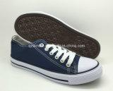 De klassieke Gevulcaniseerde RubberSchoenen van het Canvas Schoenen voor Volwassenen