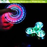 빠른 방위 투명한 LED 가벼운 핑거 싱숭생숭함 손 방적공 장난감