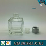 quadratische Glasöl-Flasche des aroma-100ml mit Reedüberwurfmutter