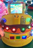Schermo dell'automobile MP5 del cioccolato con il giro del Kiddie del gioco