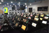 壁に取り付けられた75inch 1つのタッチスクリーンのモニタのキオスクのすべて